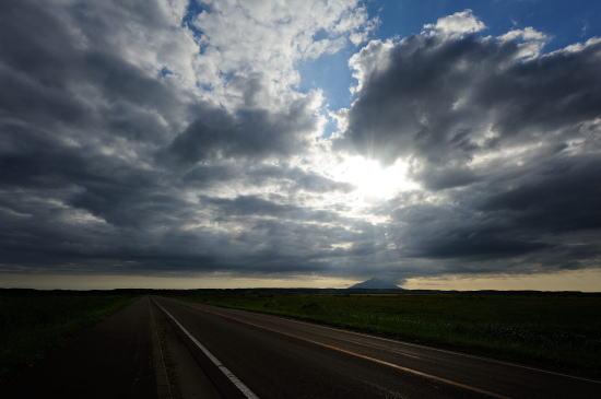 雲と地平の間