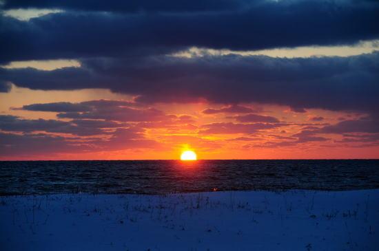 稚咲内海岸からの夕日