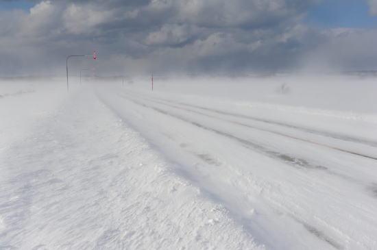 道道444号線~地吹雪の晴れ間に