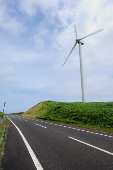 回る発電風車