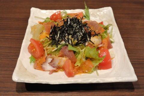 海鮮サラダ温たまのせ