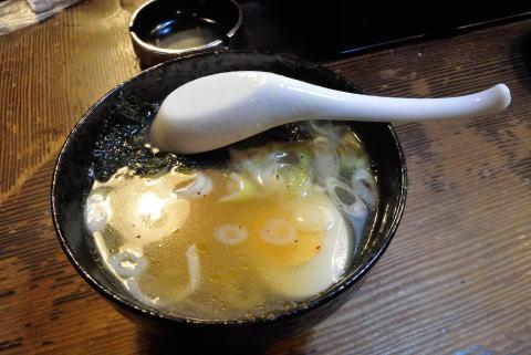 鶏ガラスープのラーメン醤油