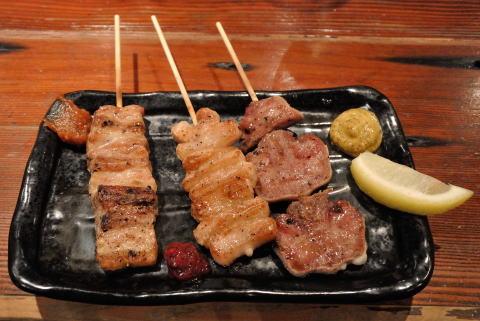 豚バラけむり串、トントロ、豚タン