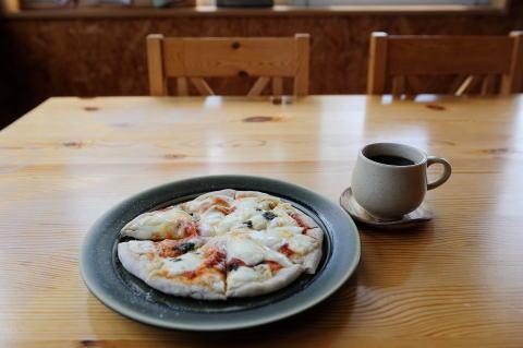 ピザとオーガニックコーヒー