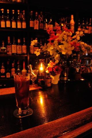 赤ワインベースのカクテル