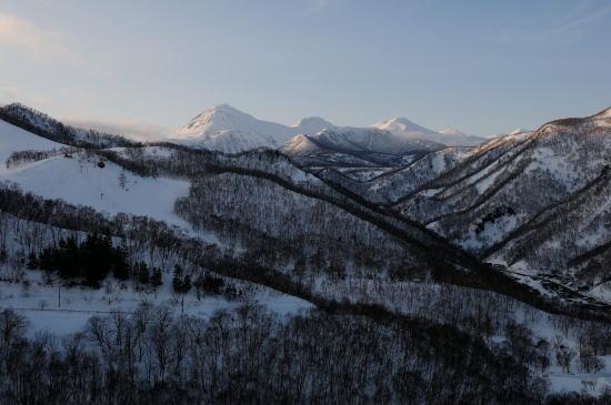 羅臼国後展望塔からの夕暮れの羅臼岳