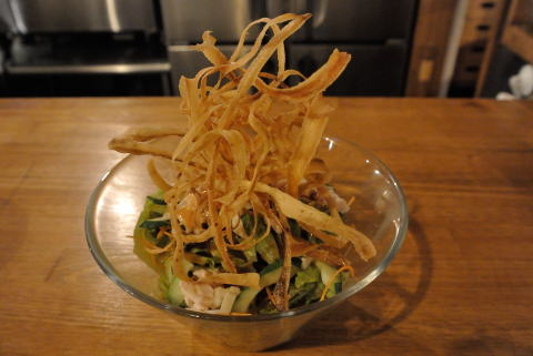 パリパリゴボウと蒸し鶏のサラダ(小)