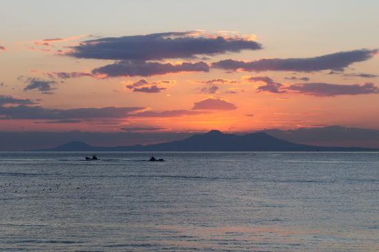 北方領土国後島の夜明け