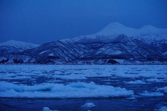 夜明け前の羅臼岳