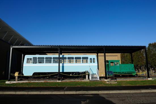 鶴居村営軌道自走客車とディーゼル機関車