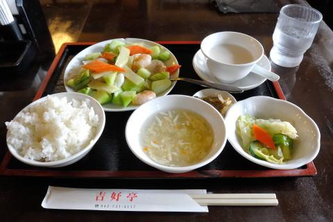 ランチセット 三鮮炒青瓜(エビ、イカ、ホタテとキュウリの塩味炒め)