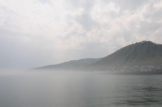 霧の羅臼のまち