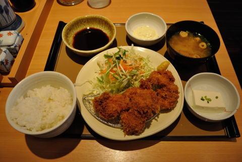 とりカツ定食 780円