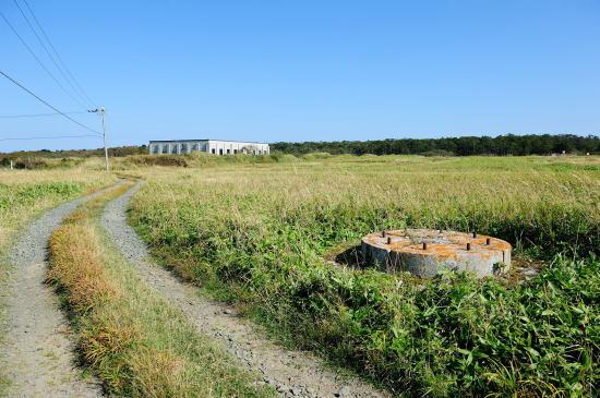 旧落石無線局跡とアンテナの基礎跡