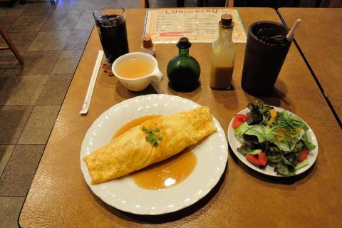 週替わりオムライス(スープ付き)+サラダとランチドリンク