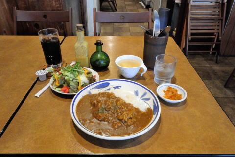 HAMAカレー(スープ付き)+サラダとランチドリンク(ランチに追加)