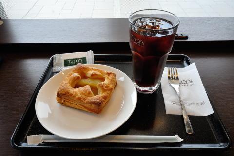 水出しアイスコーヒーTallサイズ、タリーズアップルパイ