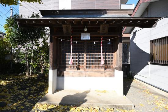 八坂神社と大六天神社(金山神社内)