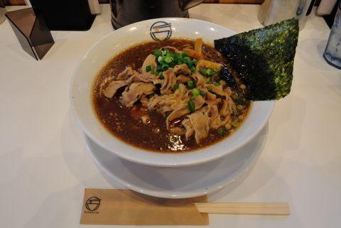 肉そば(豚骨スープ)