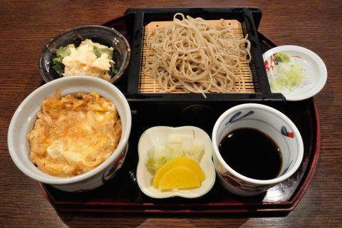 ランチセット(たぬき丼、せいろそばセット)