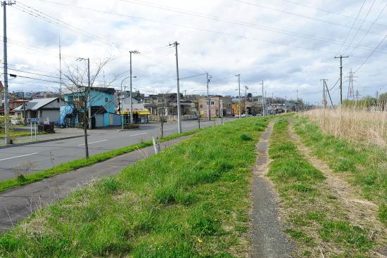 緑ヶ岡付近の線路跡