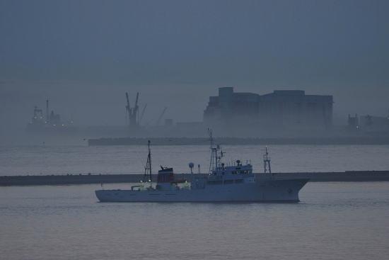 夕暮れの釧路港