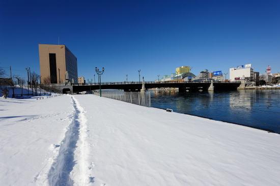釧路川河畔
