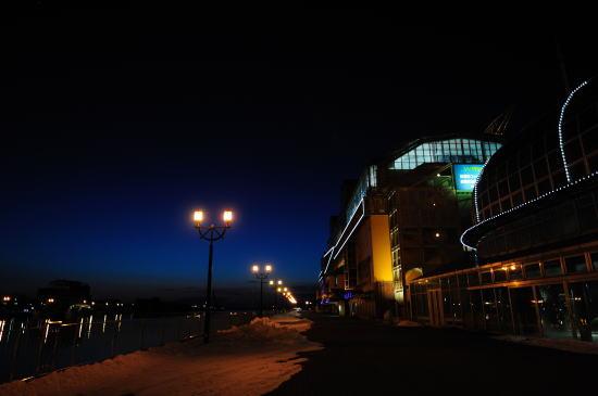 夕暮れのMOO岸壁