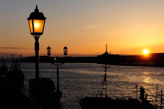 釧路川河口の夕日