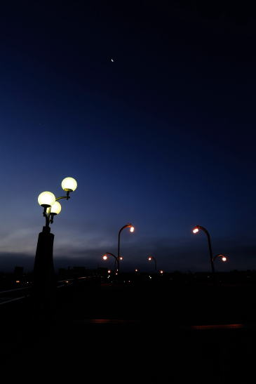 久寿里橋の夜明け