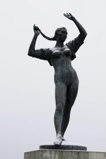 幣舞橋・道東の四季「夏の像」