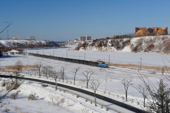 春採湖畔をゆく石炭列車~ひぶな坂からの眺め