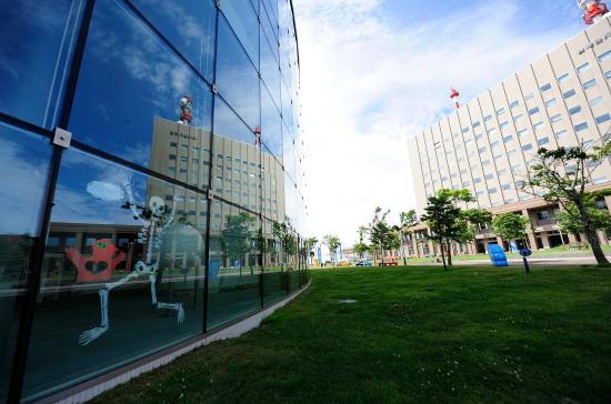 こども遊学館と釧路地方合同庁舎