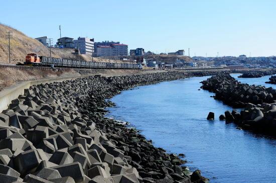 弁天ヶ浜をゆく石炭列車