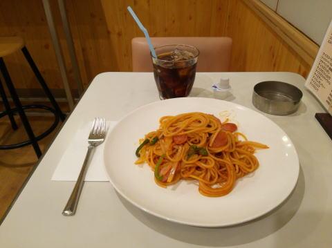 スパゲティナポリタンとアイスコーヒー