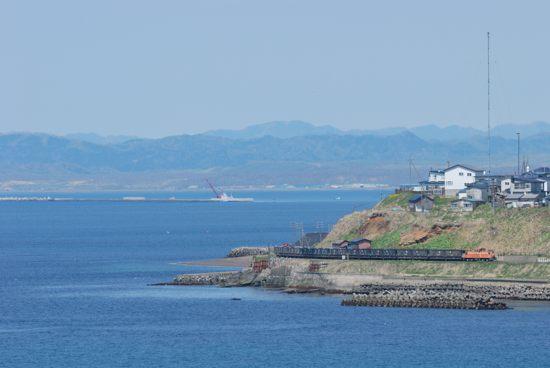 釧路埼を回る石炭列車