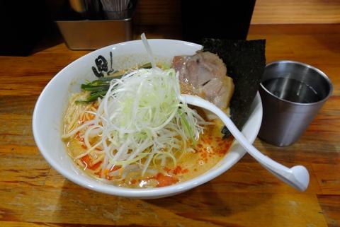 胡麻味噌担担麺
