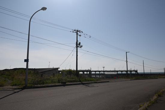 知人高架桟橋