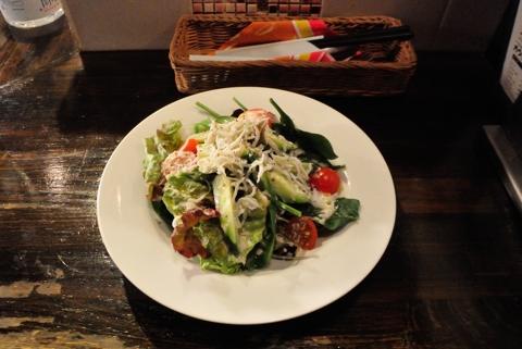 しらすと水菜のシンプル ナッツ ドレッシングサラダ