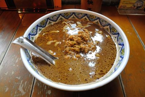 揚州濃厚醤油ラーメン(刀切麺)