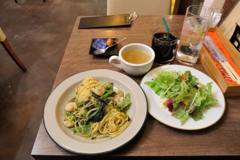 本日のおすすめパスタ+ミニサラダ