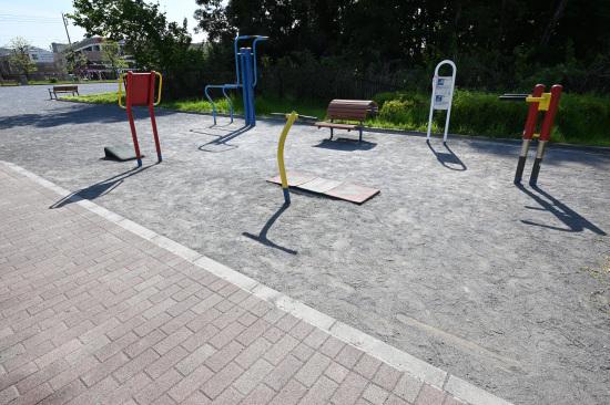 根岸からさわ公園の健康器具(町田市)