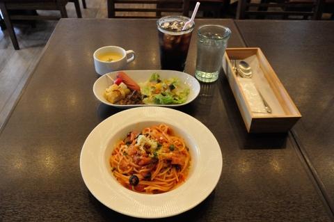ベーコンのトマトソーススパゲティ(アマトリチャーナ) ランチセット