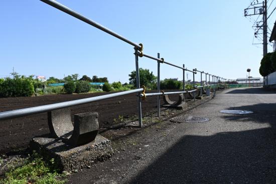 旧畑地灌漑用水の遺構が残る道